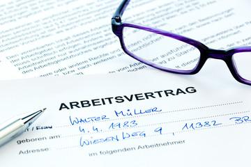 Arbeitsvertrag in deutscher Sprache