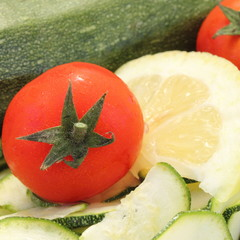 zucchine pomodori e limone