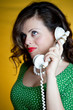 ragazza pin up al telefono
