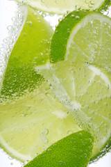 Erfrischendes Zitronen Getränk