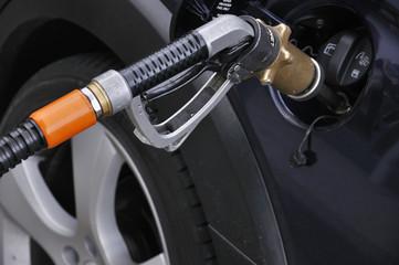 Autogas LPG Tanken statt Benzin
