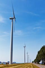 Windkraft und Hafen 03