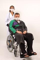 Krankenschwester mit infiziertem Patient