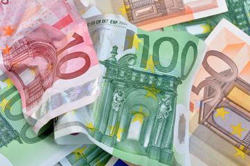 euro moneta finanza economia svalutazione