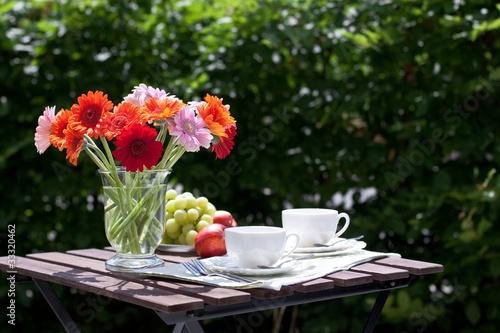 Teetrinken im Garten - 33320462