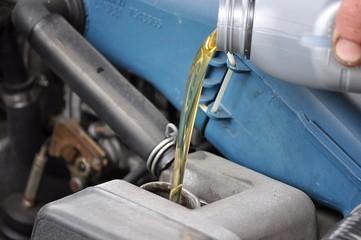 Rabbocco lubrificante motore
