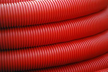 Roter Plastikschlauch