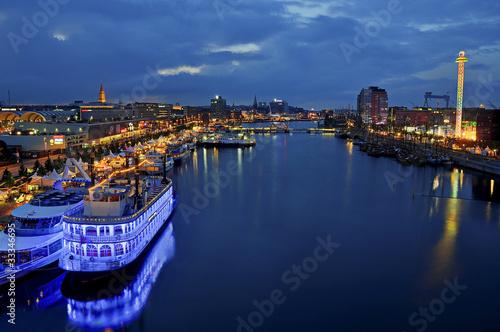 Leinwanddruck Bild Kiel bei Nacht Kieler Woche