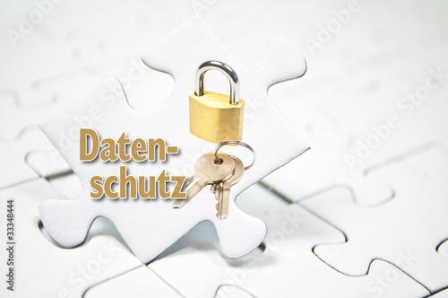 Puzzle mit Schloss und Datenschutz
