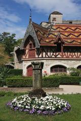 Toits polychromes de chateau Bourguignon