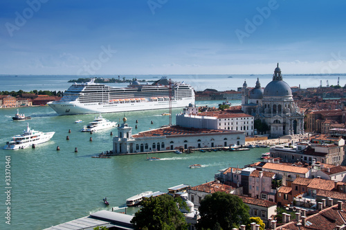 Foto Spatwand Venetie Stock Photo: Cruise ship in Venice