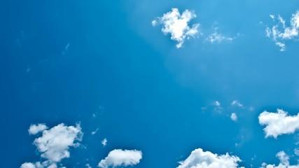 Wolkenformationen im Zeitraffer - Links