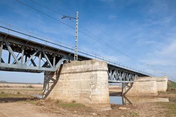 Viejo puente de hierro