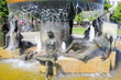 Leinwanddruck Bild - Lebensalterbrunnen