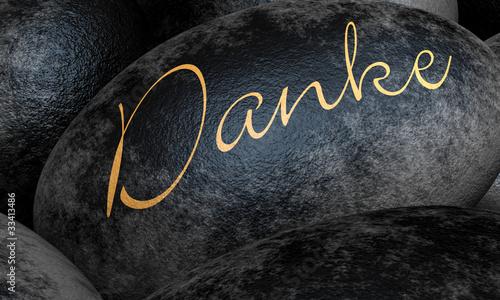 Schwarze Steine mit Text - Danke