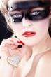 Beauty Bandit mit Herz Schmuck, Valentin und Liebe