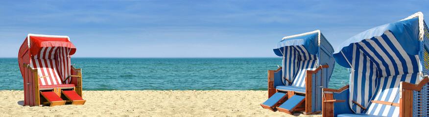 Drei Strandkörbe am Meer - 800