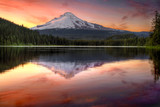 Fototapety Reflection of Mount Hood on Trillium Lake at Sunset