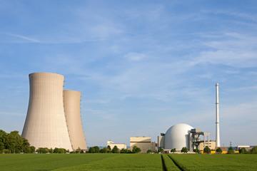 Atomkraftwerk Grohnde im Weserbergland