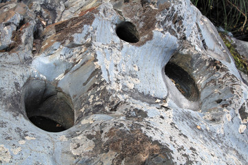 Hueco en peña de arroyo de Rocasa, Sauceda, Hurdes, España