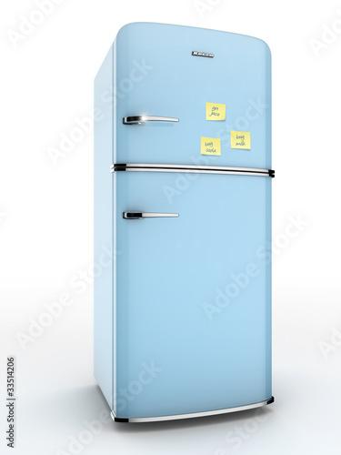 geladeira antiga com recados na porta