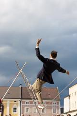 Akrobat auf dem Seil