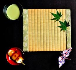 抹茶と串団子 畳背景