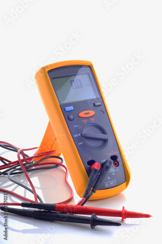 digital insulation resistance tester