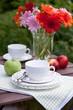 Teetrinken im Garten