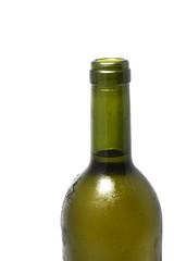 Detalle botella sobre fondo blanco