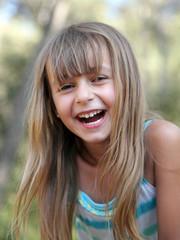 Eclat de rire (fille 5-6 ans)