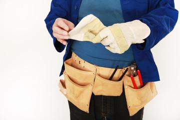 Hausmeister mit Handschuh