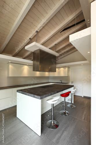 Cucina moderna aperta con tre sgabelli di alexandre zveiger foto stock royalty free 33660607 - Sgabelli per cucina moderna ...