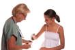 bandage à la main