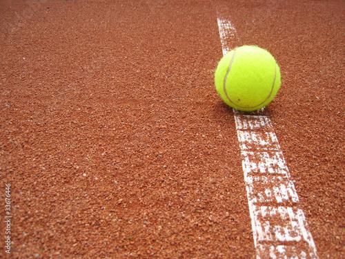 Tennisplatz Linie mit Ball 1