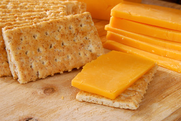 Cheddar cheese and crackers