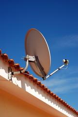 installazione dell'antenna parabolica