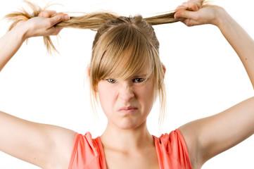 Frau braucht neue Frisur