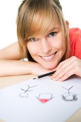 Junge Frau malt ihre Zukunft