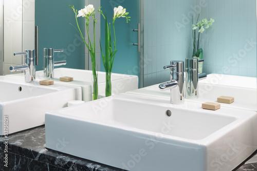 Waschtisch im Badezimmer Doppelwaschtisch