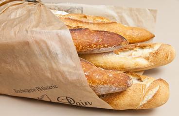 baguettes de pain enveloppées