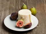 Ripe Fig Fruits and cheese