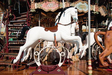 Carousel - horse  - Giostra - cavallo