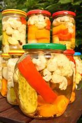sałatka warzywna w zalewie octowej