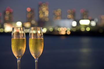 シャンパンと夜景