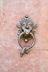 Antiker Türgriff aus Metall