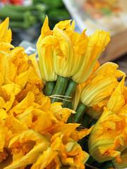Au marché : Fleurs de courgettes