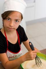enfant en cuisine