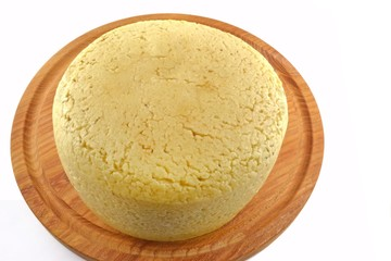Pecorino fresco con crosta abbucciata in fase di stagionatura