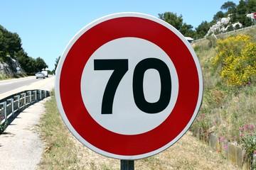 Route à vitesse limitée à 70 km/h